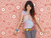 Selena Gomez - Cuteness - Mixed Quality Wallpapers Th_23997_tduid1721_Forum.anhmjn.com_20101130202548018_122_113lo