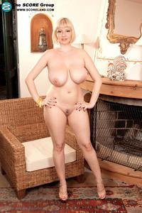 Sophie mae nude