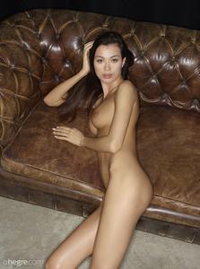 Nicolette-Body-Shots--56qvjuhchx.jpg