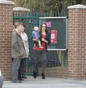 th_99959_Tikipeter_Danielle_Lloyd_arrives_to_pick_up_her_cousin_012_123_55lo.jpg