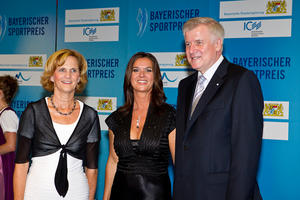 Katarina Witt @ Bayerischer Sportpreis 2010 (Bavarian Sports Awards)  3xHQ  + 1 ADD