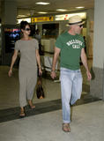 Karen McDougal - with Bruce Willis at Nice Airport, France - August 13, 2007 - 7x HQ